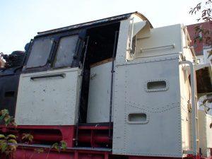 19.10.2007  An der 64er ist inzwischen der Tender und große Teile des Führerstandes entrostet und grundiert.