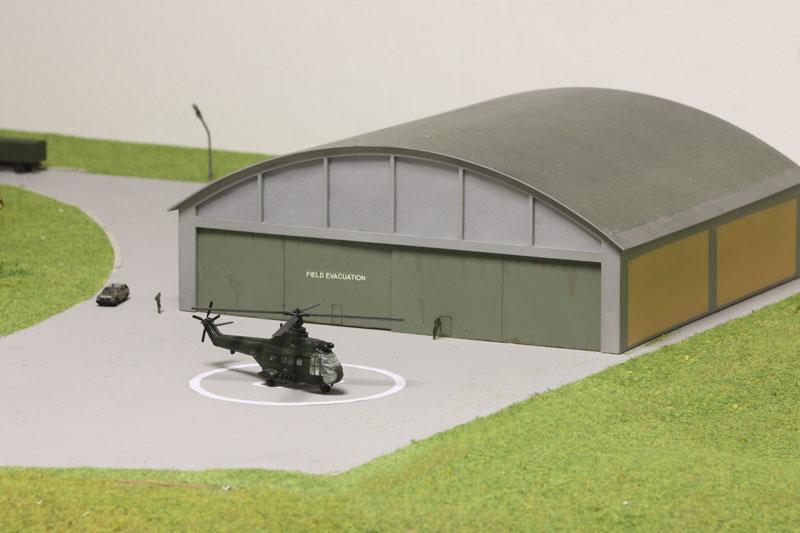 Kaserne-Detail-Hangar